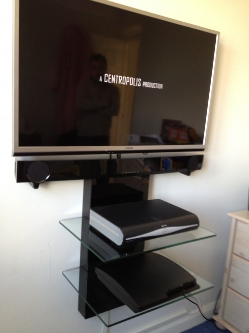 Flat Screen Tv And Sound Bar Wall Mounting In Brentwood