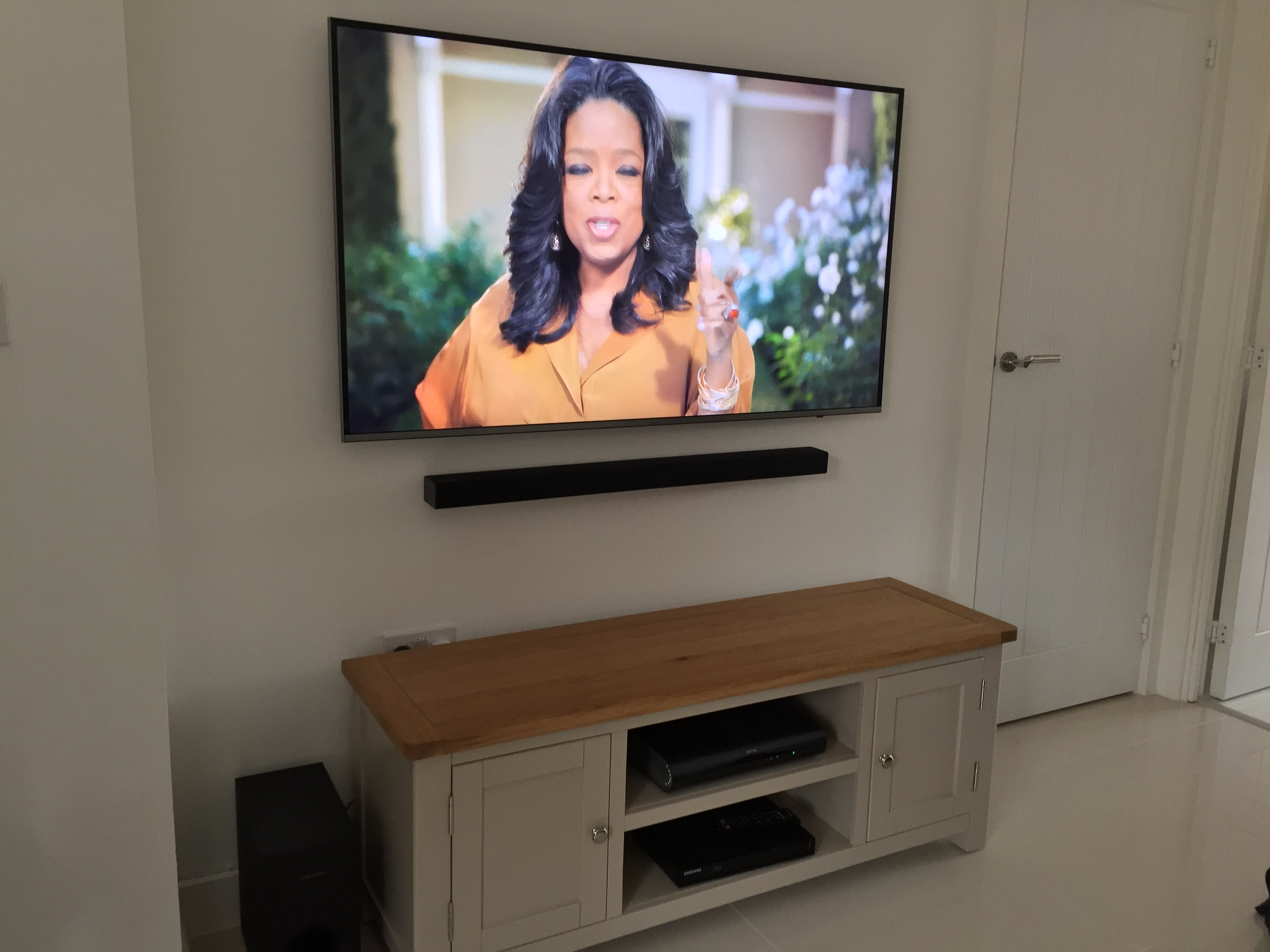 Tv Gallery Master Av Services Wiring Solutions Uk And Sound Bar Install In Epping Essex All Cables Were Chased Hidden Inside Wall